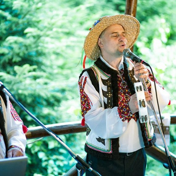 Бойківське весілля в горах