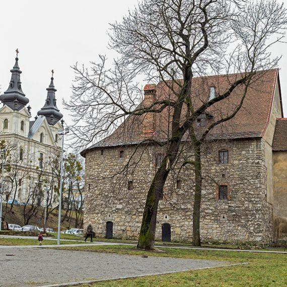 Пороховая башня во Львове