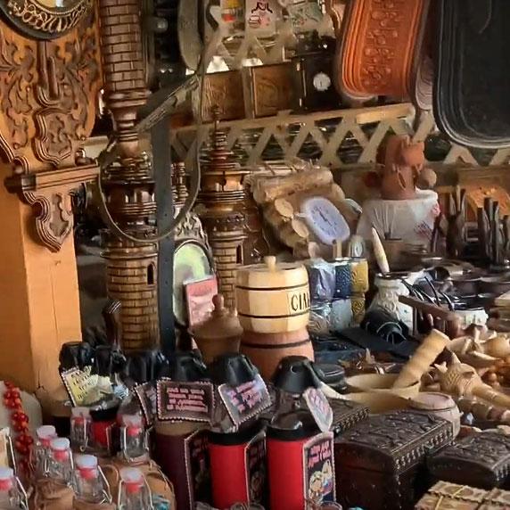 Сувенирный рынок в Сходнице