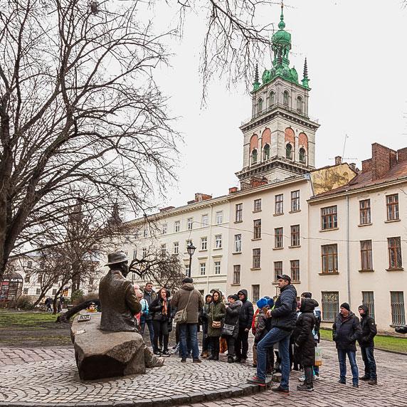 Памятник Никифору Дровняку во Львове