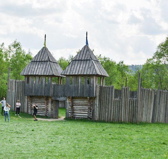 Фортеця Тустань в Карпатах